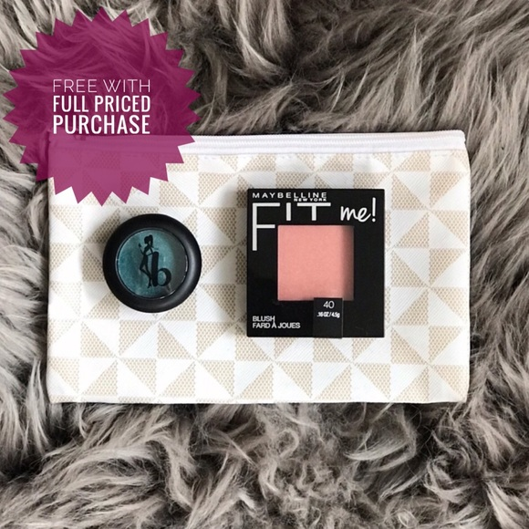 Maybelline Other - Small makeup bundle